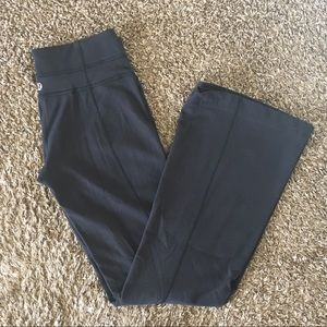 lululemon athletica Pants & Jumpsuits - Lululemon Classic Wunder Under Flare Leggings